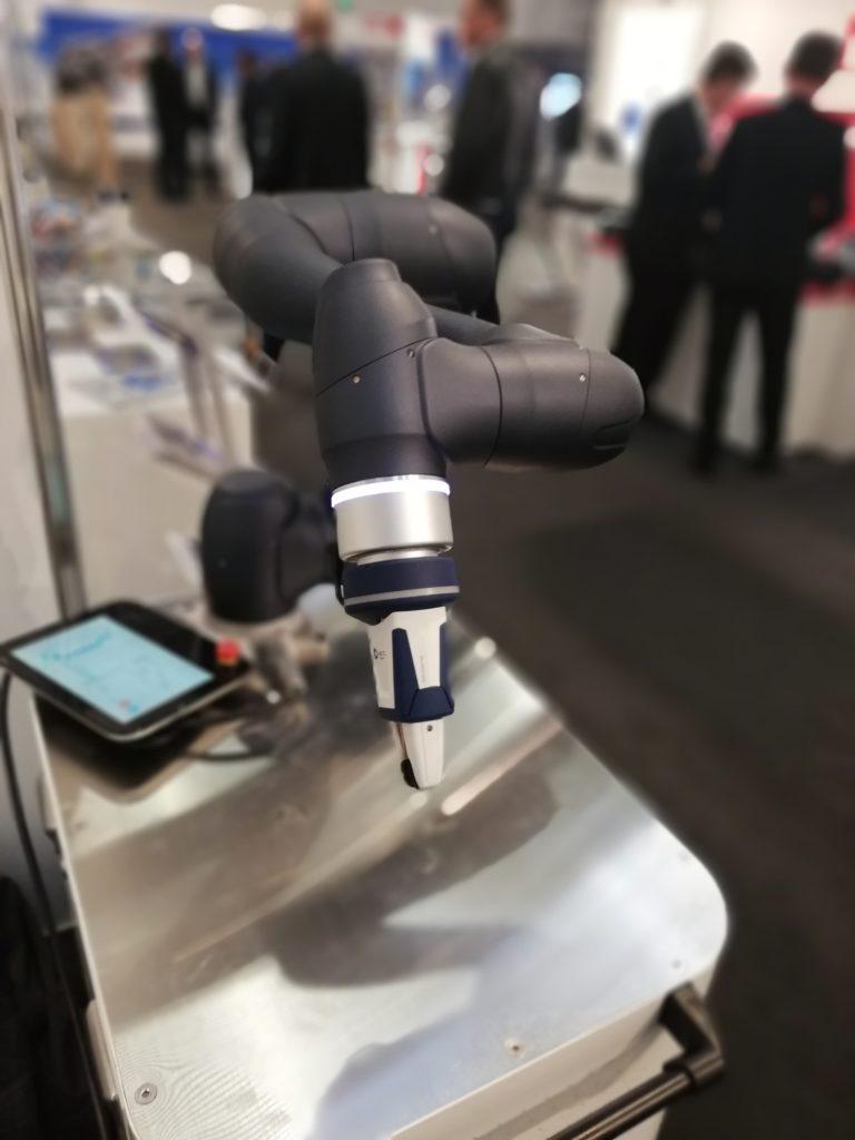 Doosan Navy Roboter FMB Messe Schunk co act kollaborativer Greifer